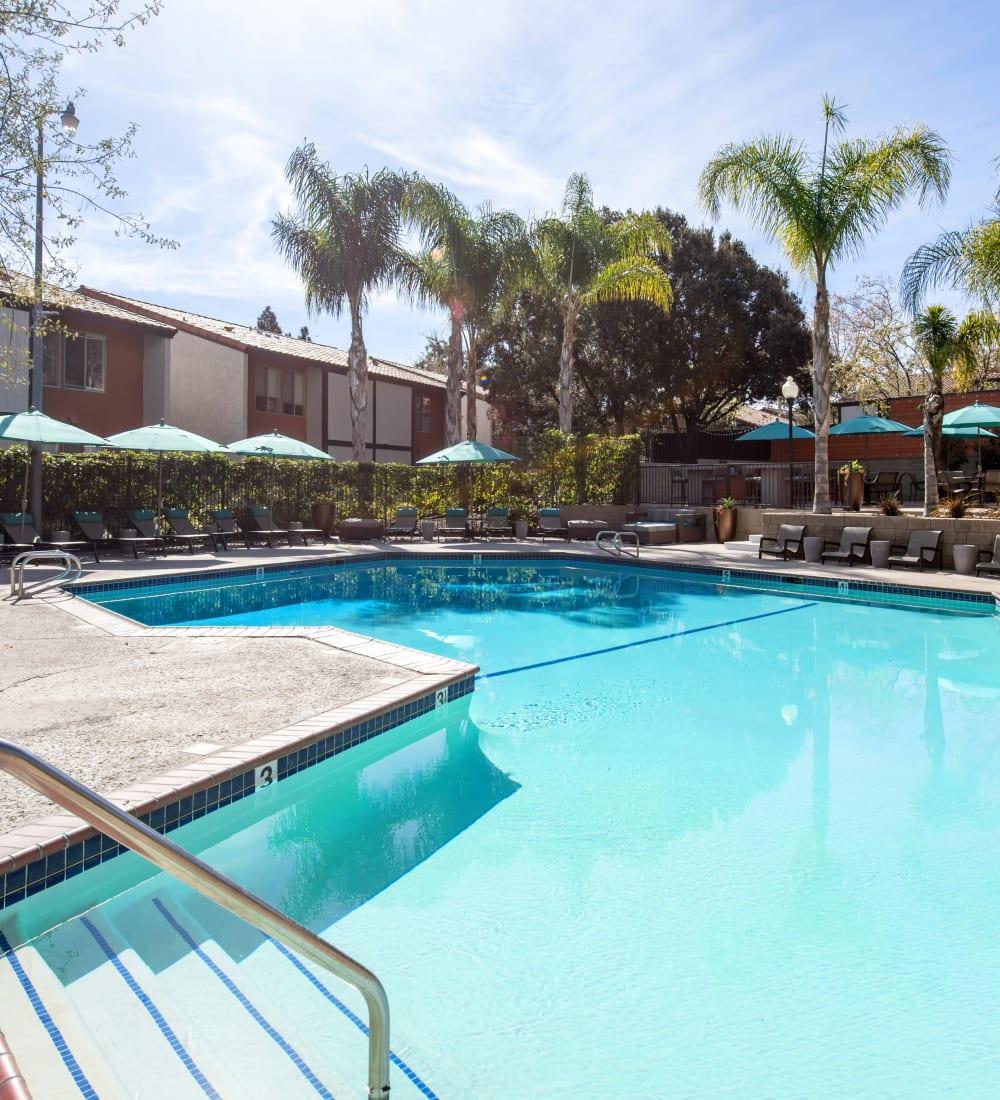 Resort-style swimming pool area at Sofi Thousand Oaks in Thousand Oaks, California
