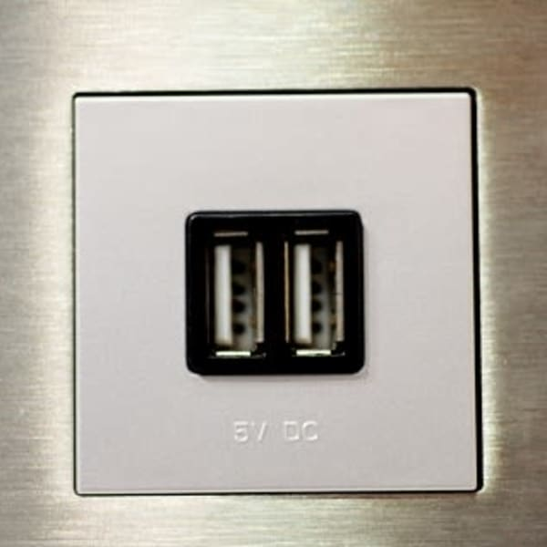 Summerfield Apartment Homes offers Light Dimmers & USB Outlets in its upgraded units