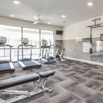 Learn more about amenities offered at Aventura at Towne Centre in Ellisville, Missouri.