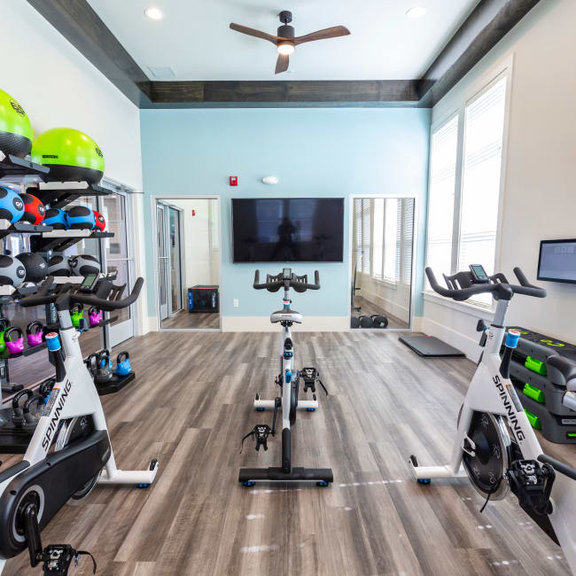 Spin room with Virtual Classes at Parc at Wesley Chapel in Wesley Chapel, Florida