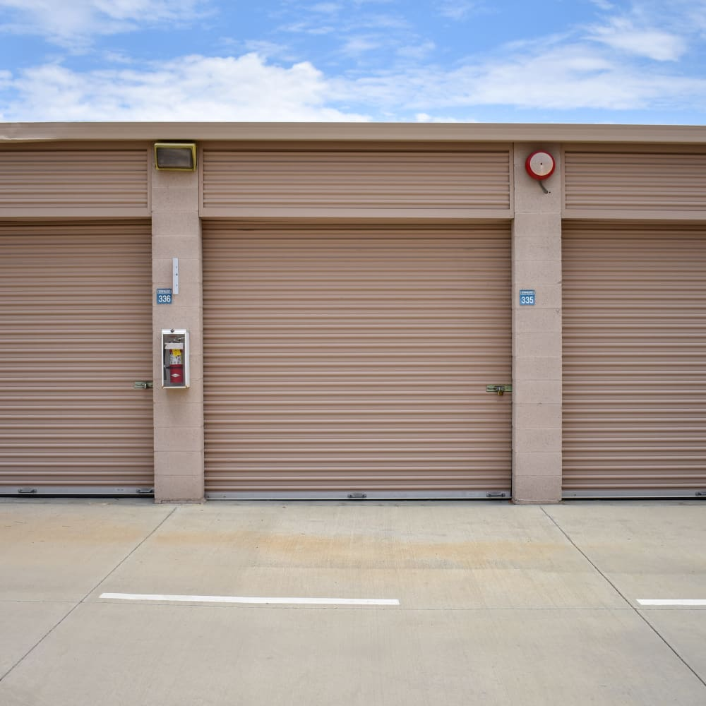 View the convenience of drive-up storage offered at STOR-N-LOCK Self Storage in Palm Desert, California