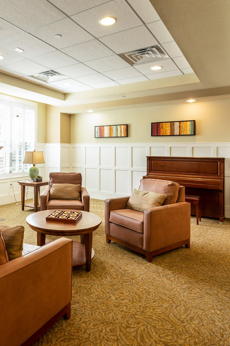 Lounge in MacArthur Hills in Irving, Texas