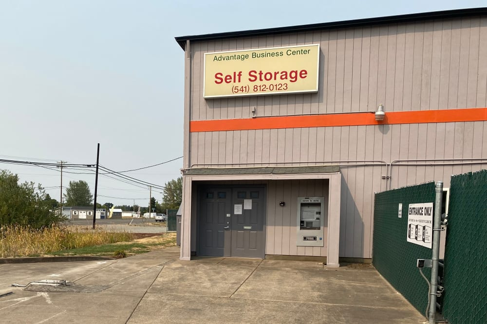 The front entrance to South Albany Self Storage in Tangent, Oregon
