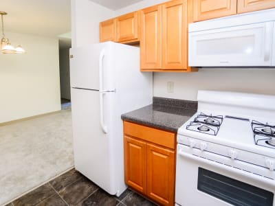 Modern kitchen at apartments in East Brunswick, New Jersey
