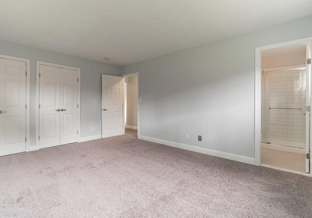 Spacious rooms at Eagle Rock Apartments at Mineola