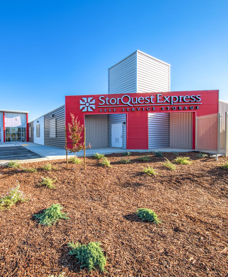 The exterior at StorQuest Express - Self Service Storage in Woodland, California