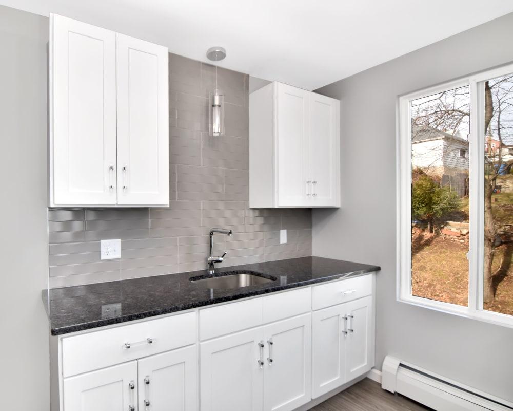 Kitchen Sink at Springwood Gardens
