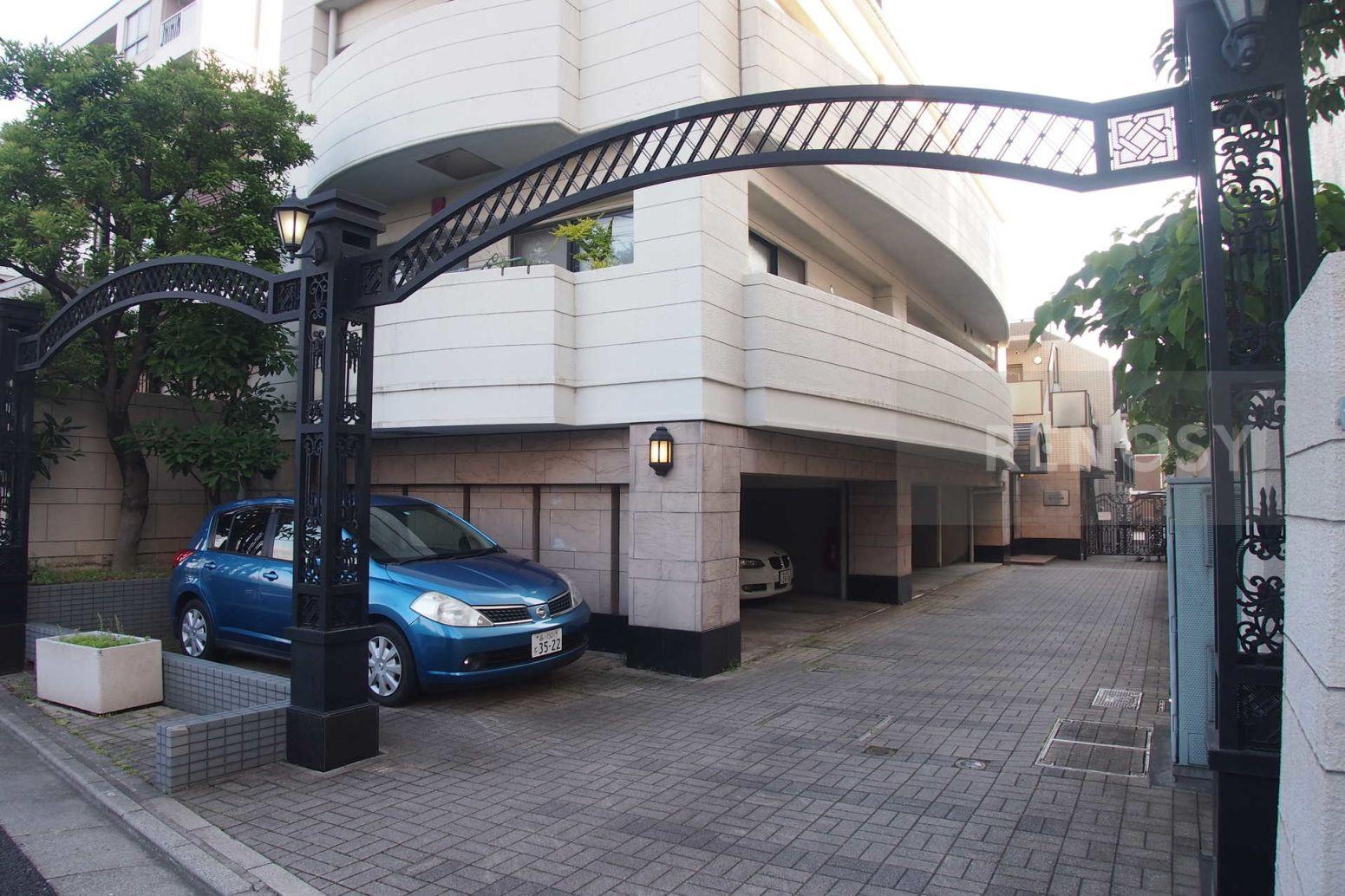 クレストフォルム駒沢公園
