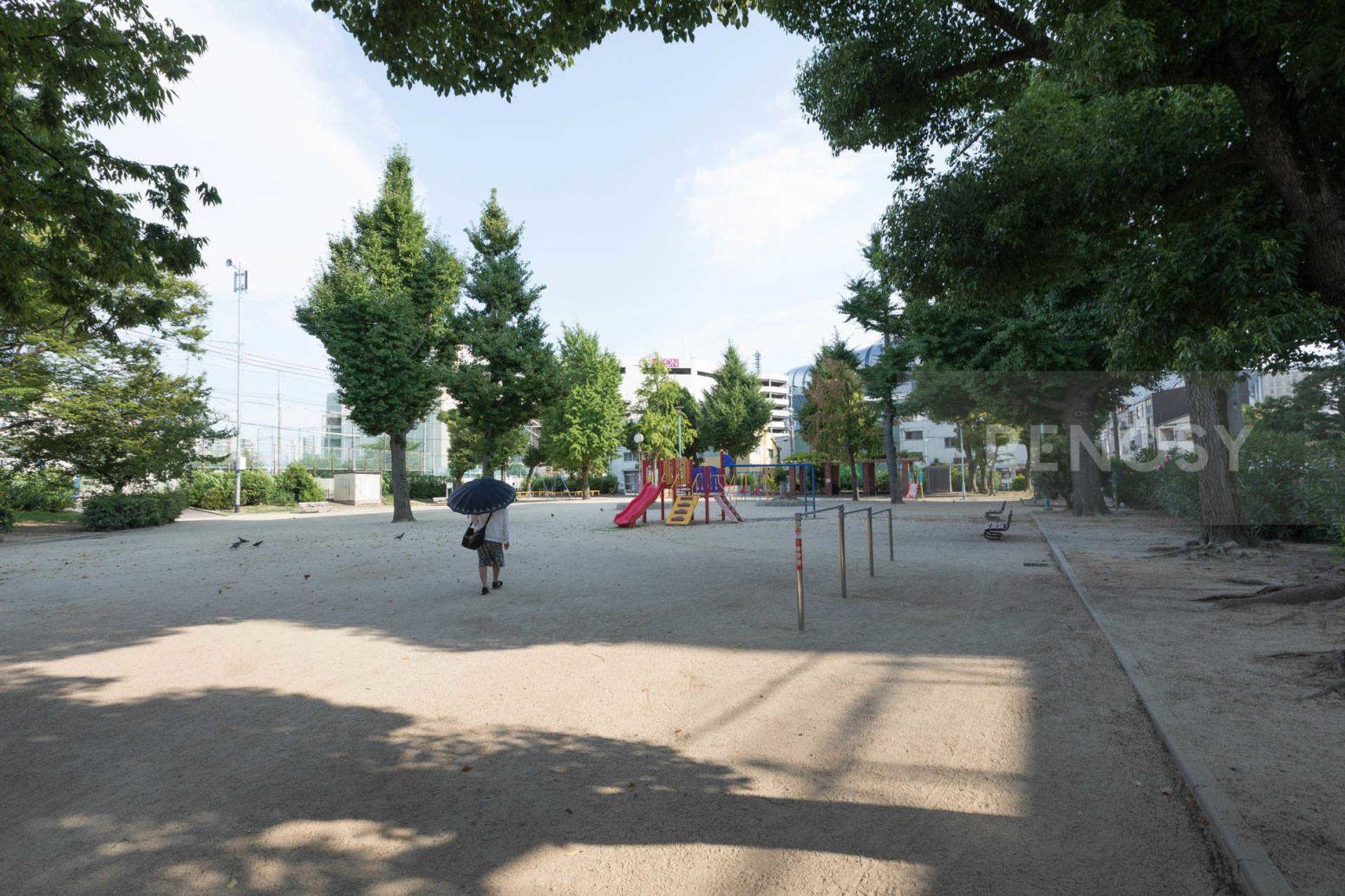 グランコート大阪ドーム前