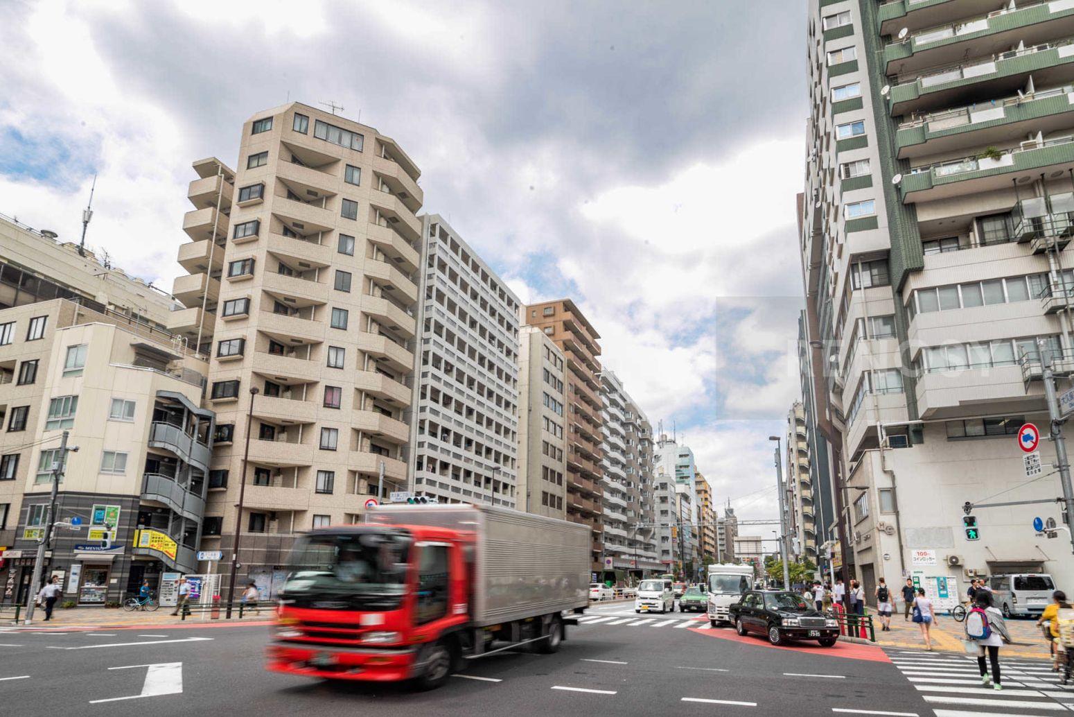 プレールドゥーク東新宿