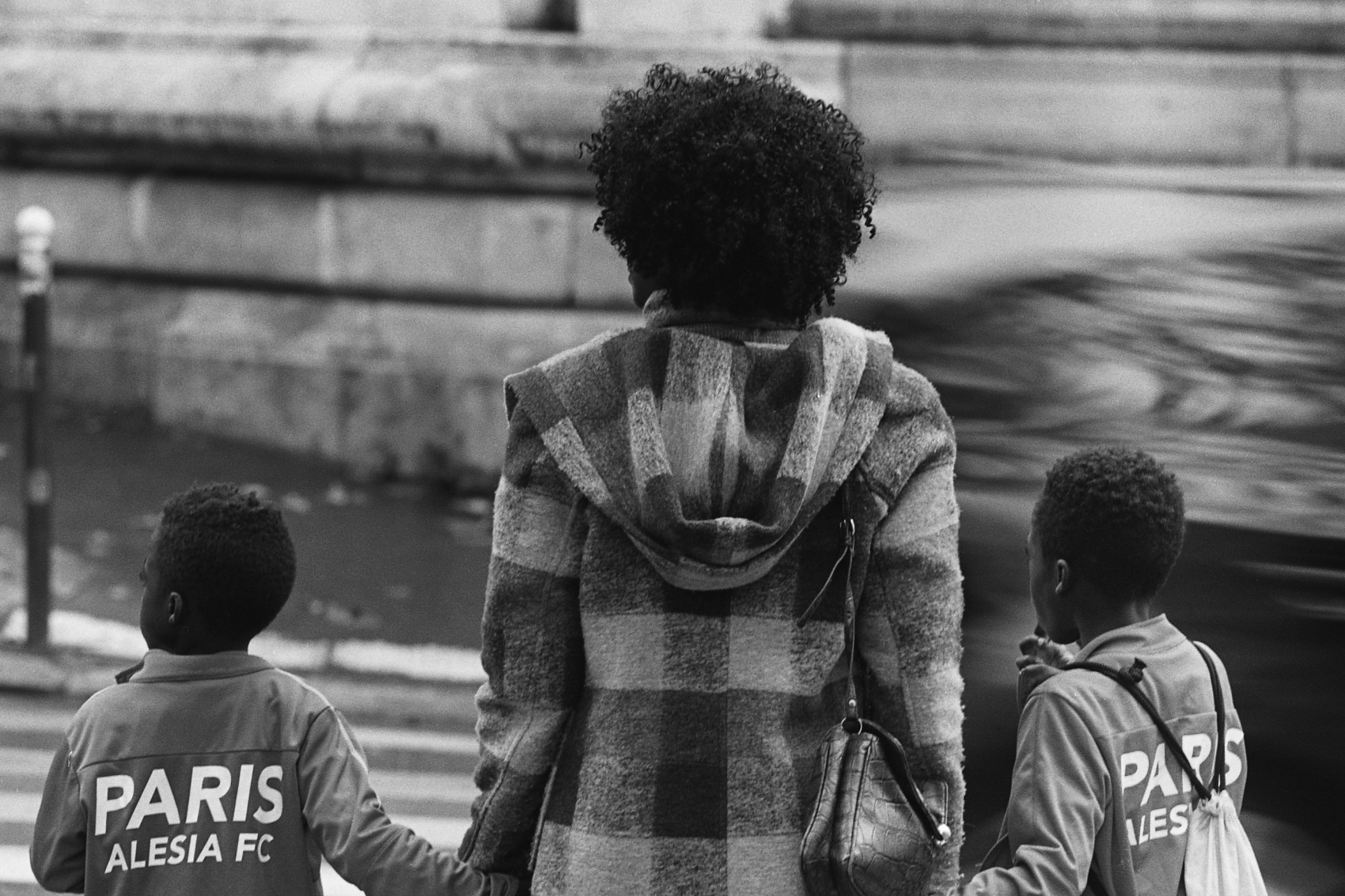 Crépus is a photography series on Black Hair of Black people in France