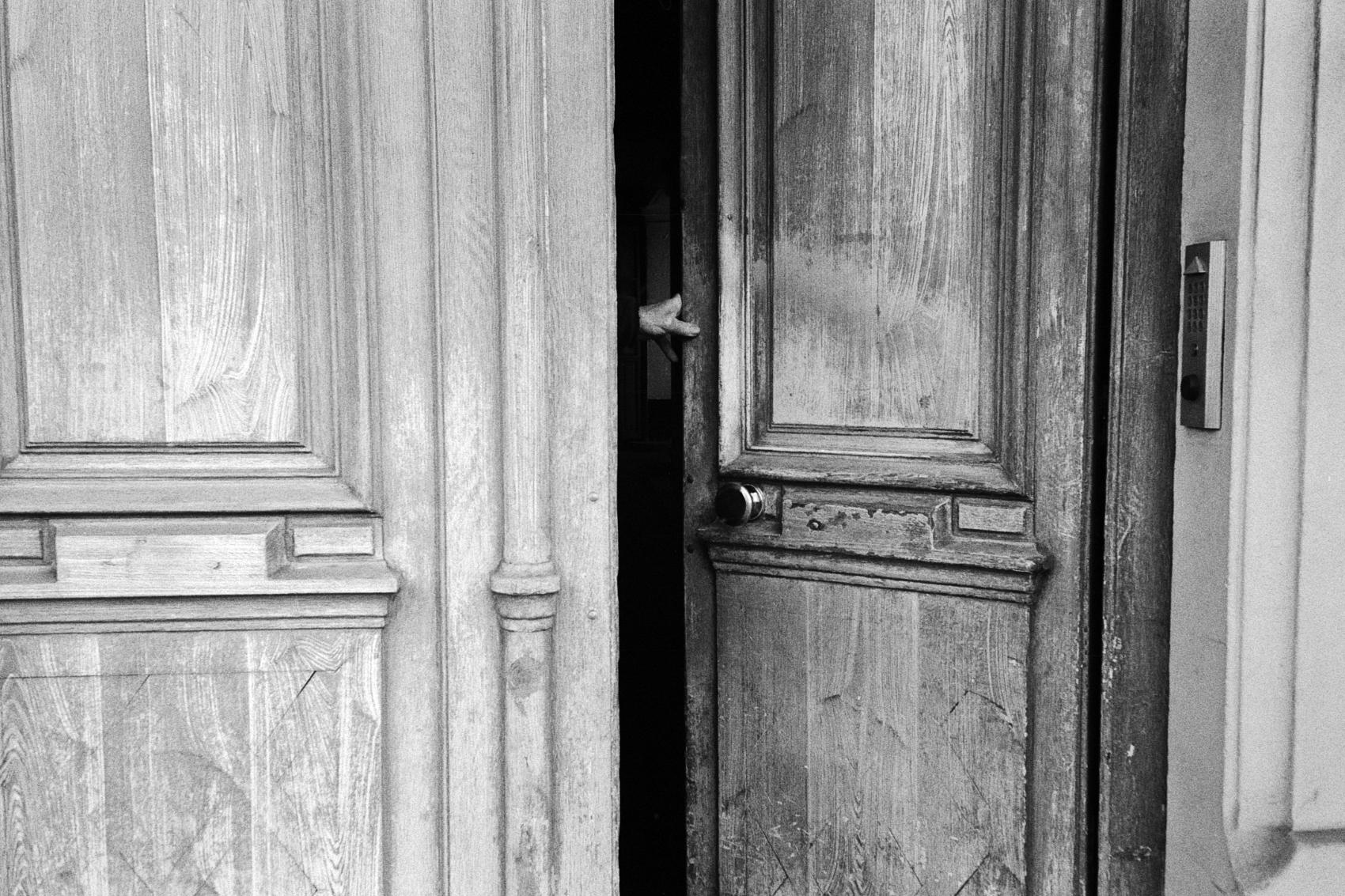 Door. Paris. 2018.