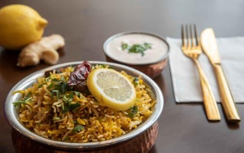 Order Delicious Hydrabadi Chicken Biryani Online | Masala Bar And Grill
