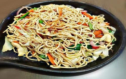 Hakka Noodles Chicken - Masala Bar And Grill