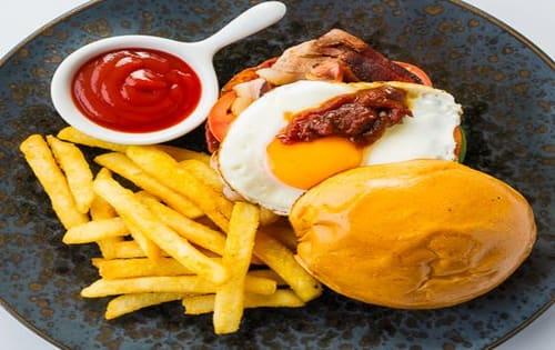 Brekky Burger - Steamin' Mugs