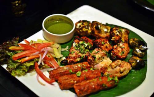 Veg Platter (8 pieces) - Welcome Indian Restaurant
