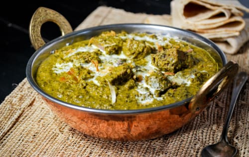 LAMB SAAG CURRY - Fathima - Casey Central