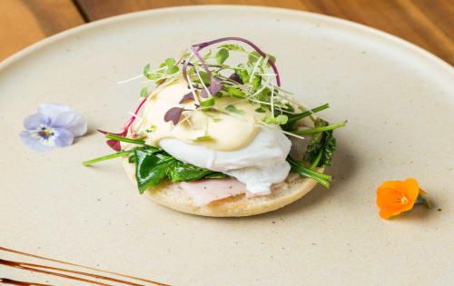 Egg Benedict - Cafe B2B