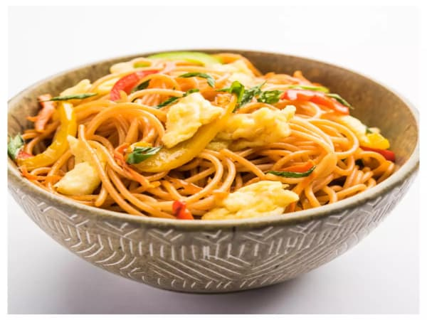 Schezwan Noodles Egg | Indo-Chinese Dish | Masala Bar And Grill