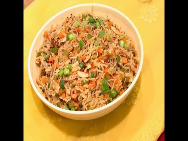 Schezwan Fried rice Veg - Masala Bar And Grill
