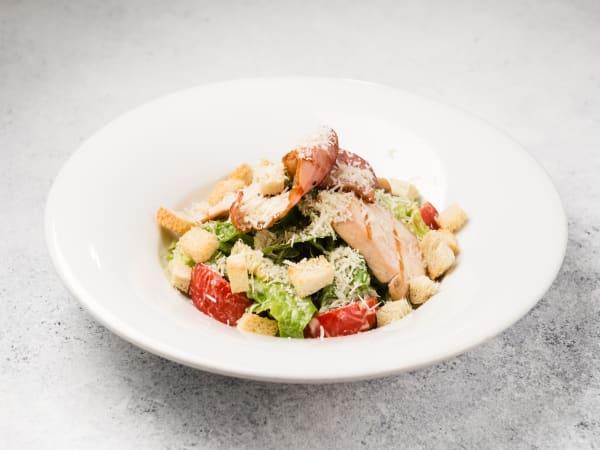 Butter chicken salad - Luna's Food & Wine Bar