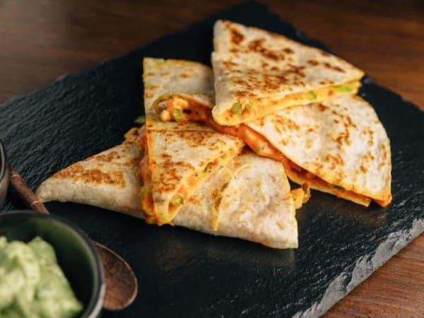 Cheese Chilli Naan - Sargun Indian Tandoori