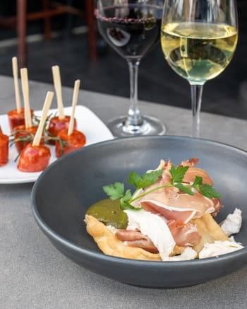 Luna's Food & Wine Bar - Gallery Image 3
