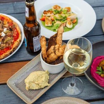 Luna's Food & Wine Bar - Gallery Image 5