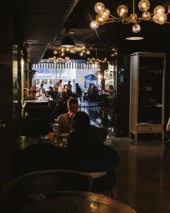 Luna's Food & Wine Bar - Gallery Image 14