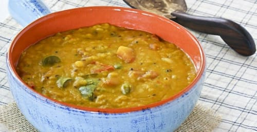 CHICKEN DAAL CURRY