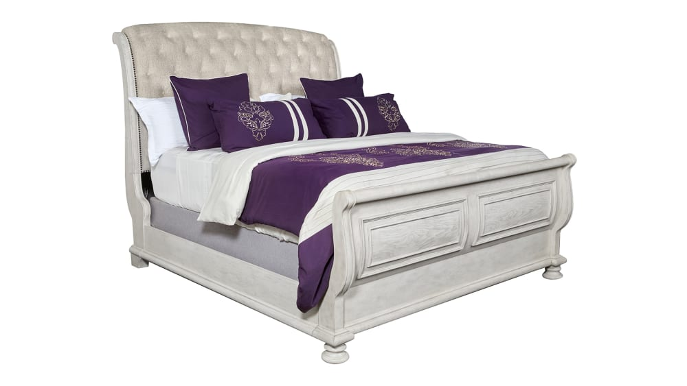 Import Barton Creek Queen Bed