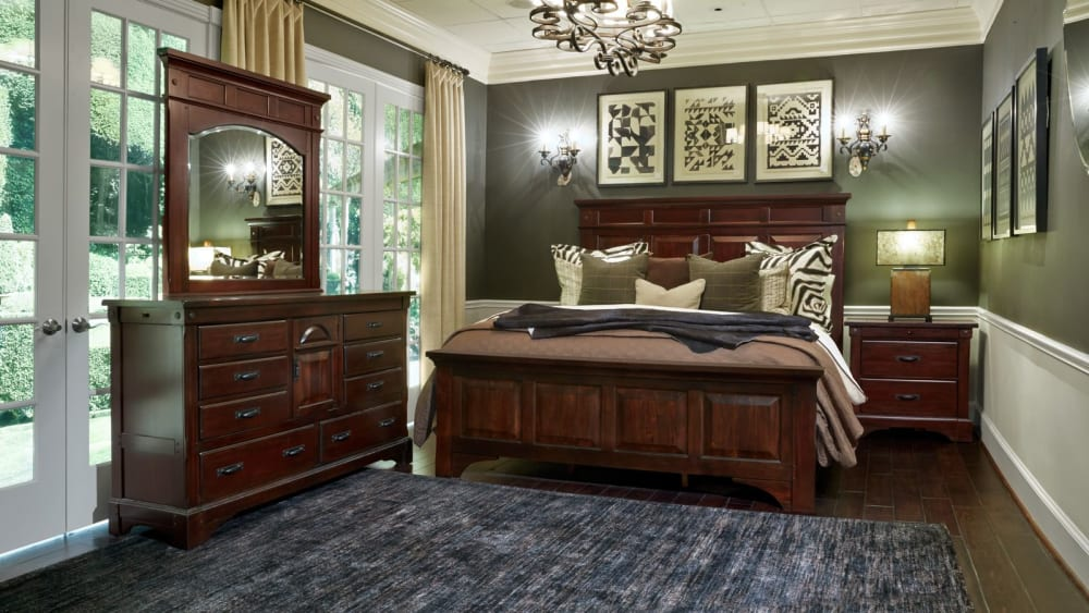 Hidalgo King Bedroom Set