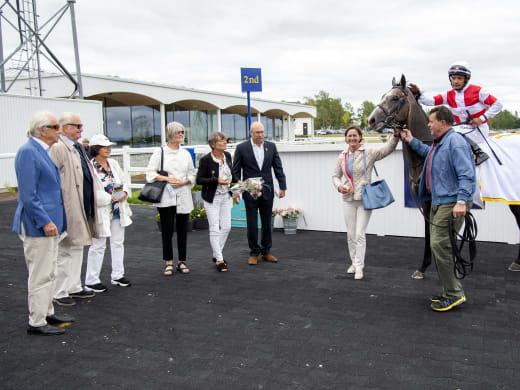 Cathrine om Duca di Como och övriga tretton starthästar
