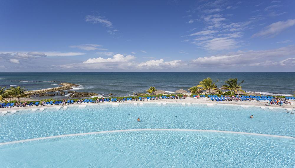 Grand Palladium Pool Jamaica
