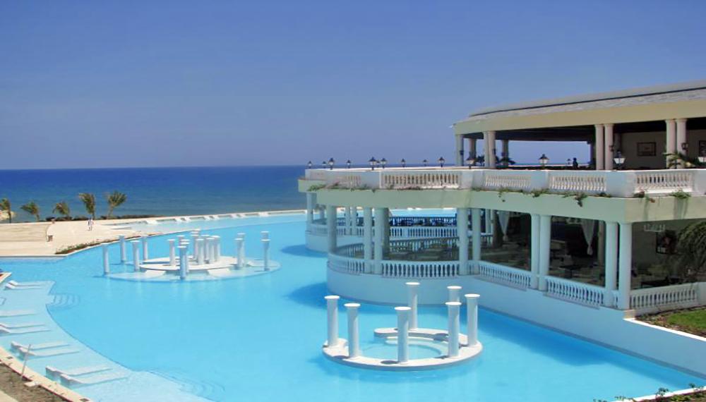 Grand Palladium Resort Pass Pool