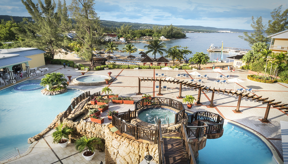 Paradise Cove Jamaica Pool