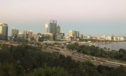 Te view of Perth from King's Park as the sun sets