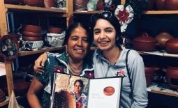 Met Oaxaca woman who has come out in well-known books of Clay Work!