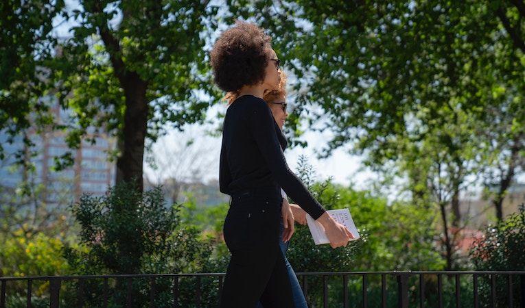 girls walking in paris