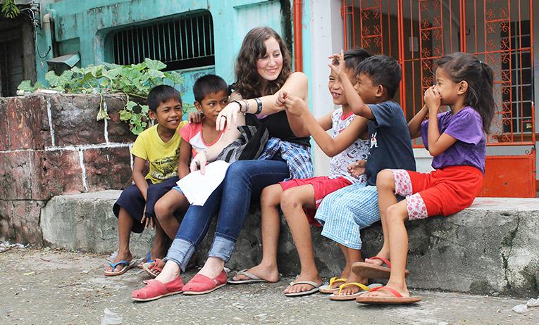 Volunteering with children in the Philippines