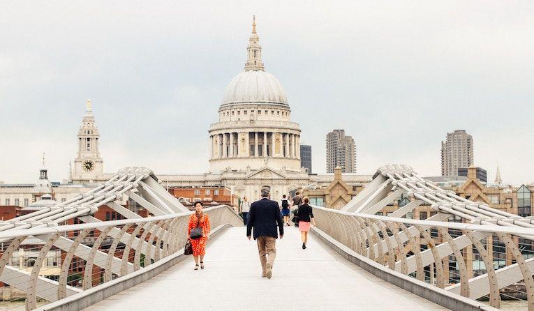 Walking over millennial bridge to your internship abroad in london
