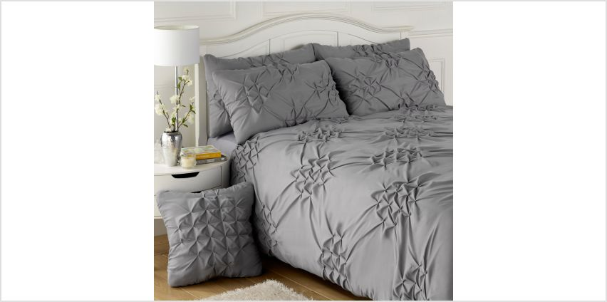 Pleated Casual Duvet Set from Studio