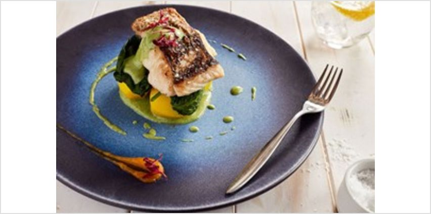 Two Course Lunch with Fizz at The Yacht London for Two from Buy A Gift