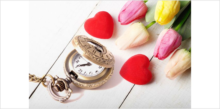 £5.99 instead of £22.95 for a love heart pocket watch from Yamba Jewellery - save 74% from Wowcher
