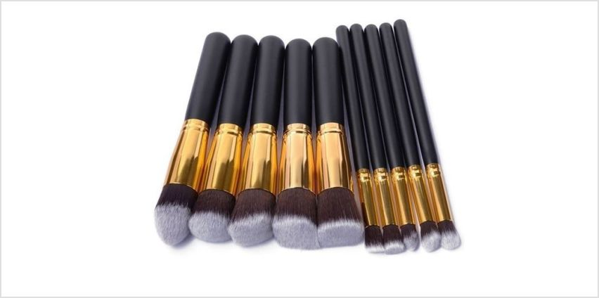 £6.99 instead of £59.99 for a 10-piece Kabuki makeup brush set from Forever Cosmetics - save 88% from Wowcher
