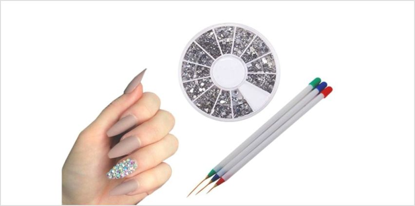 £4.99 instead of £19.99 for a pack of three nail art brushes with gems from Boni Caro - save 75% from Wowcher