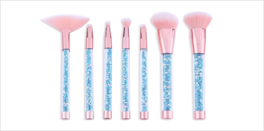 £6.99 instead of £29.99 for a seven-piece glamza blue mermaid glitter brush set from Forever Cosmetics - save 77% from Wowcher