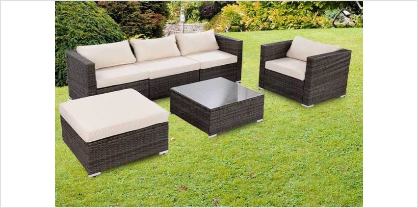 £449 instead of £970 (from FDS) for a four-piece durable polyrattan garden furniture set with cushions – choose from two colours and save 54% from Wowcher