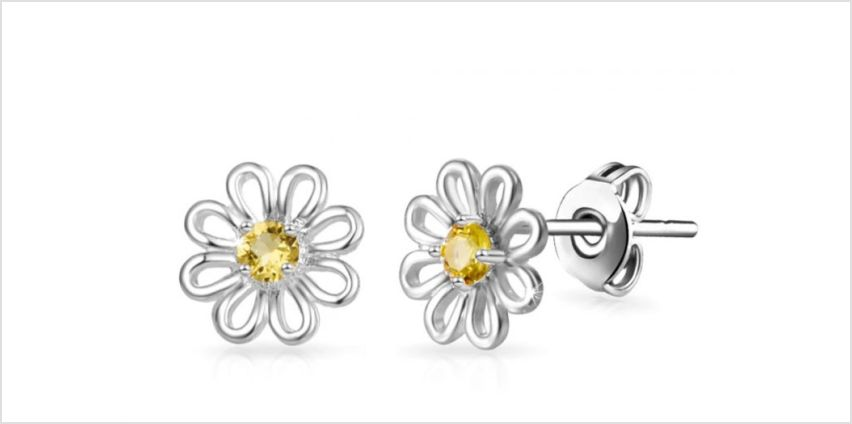£4.99 instead of £13.99 for a pair of daisy earrings made with crystals from Swarovski ® - save 64% from Wowcher