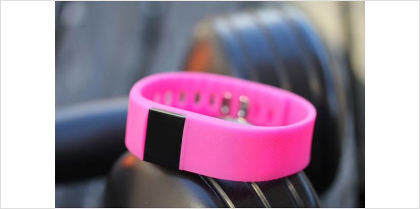 £9.99 instead of £26.76 (from Doorn Bikes) for a FT9 health and fitness tracker - choose from six colours and save 63% from Wowcher